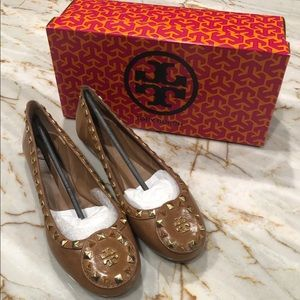 NIB Tory Burch Dale leather gold stud Ballet flat